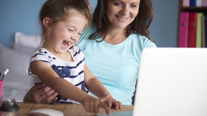 tecnologia e bambini come tutelarli sui social